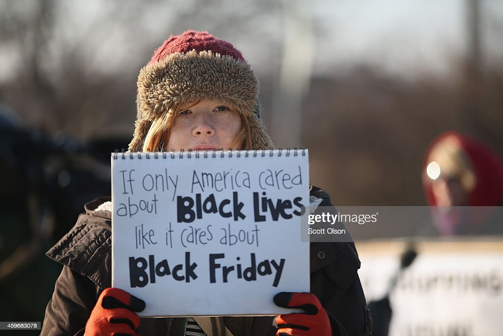 Holiday Shopping Begins In Ferguson As Protests Continue : Nyhetsfoto