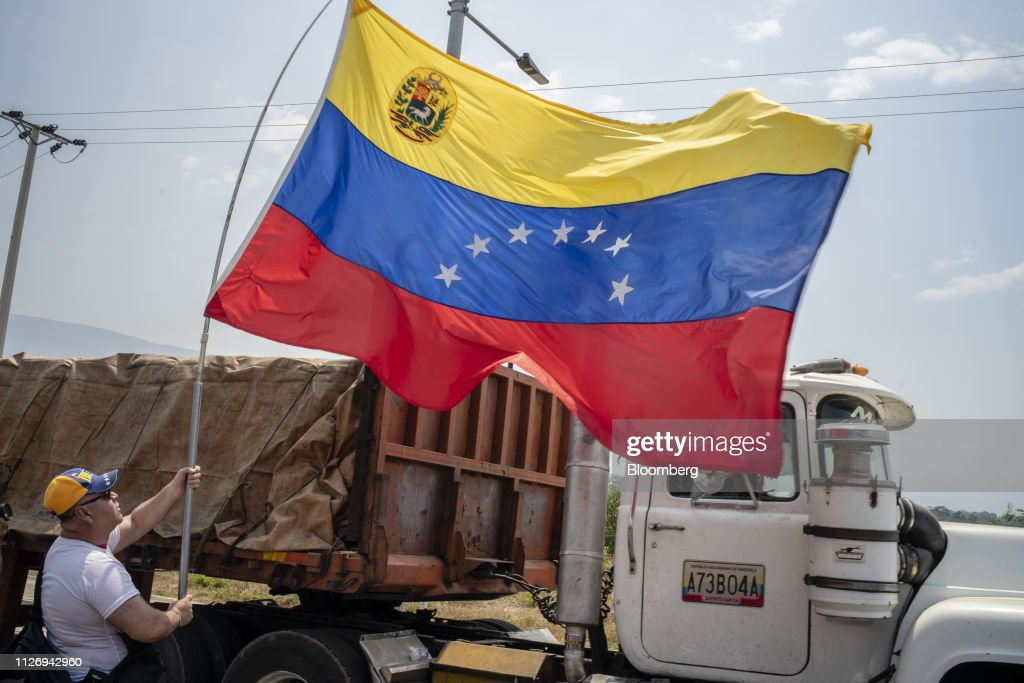 COL: Opposition Attempts U.S. Humanitarian Aid Delivery As Maduro Threats Intensify