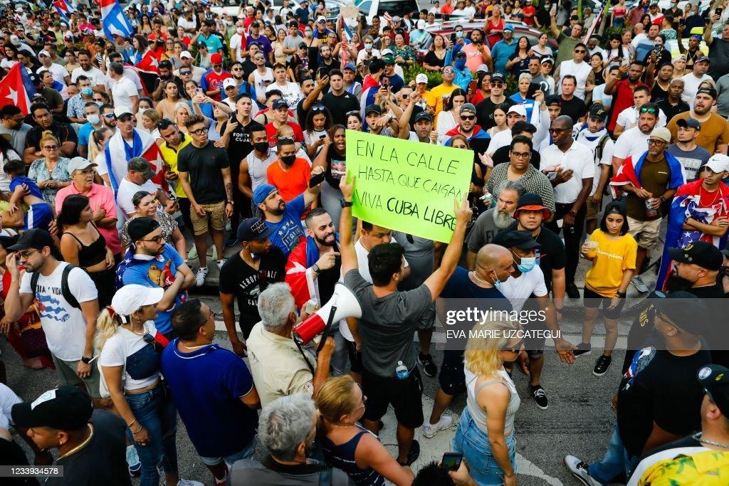 US-CUBA-DEMONSTRATION-HEALTH-VIRUS : News Photo