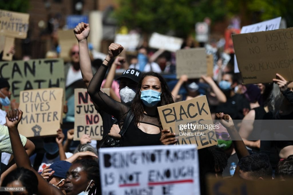 BRITAIN-US-POLITICS-RACE-UNREST : News Photo