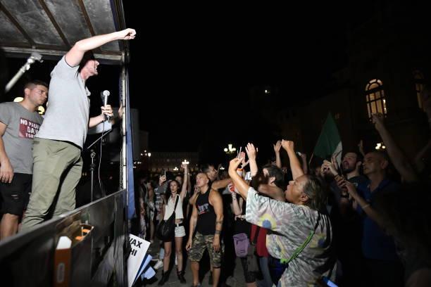 ITA: No Vax Protest in Turin
