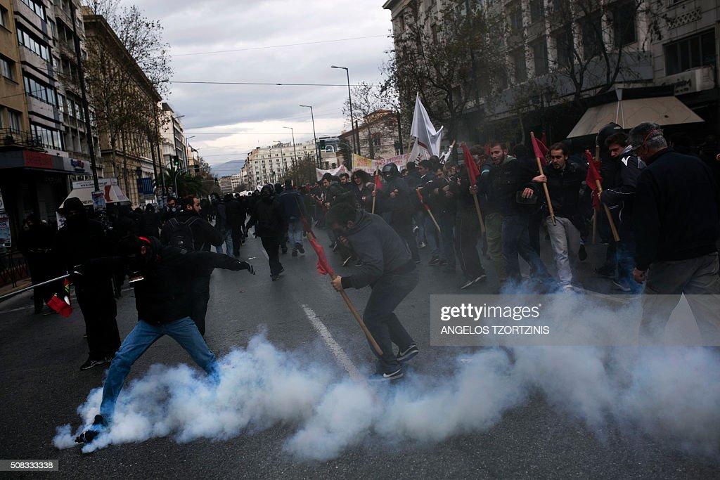 GREECE-ECONOMY-WELFARE-STRIKE : News Photo