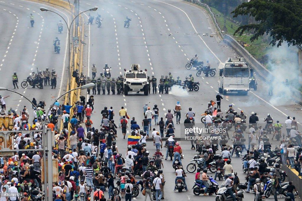 VENEZUELA-OPPOSITION-PROTEST : News Photo