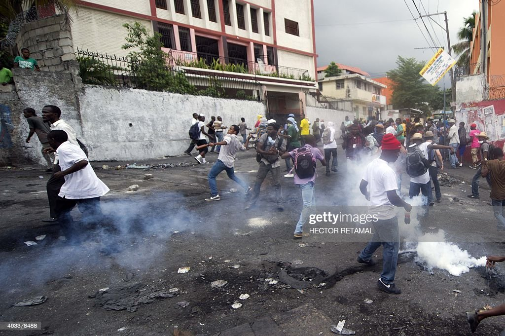 HAITI-POLITICS-MARTELLY-PROTEST-FUELS : News Photo