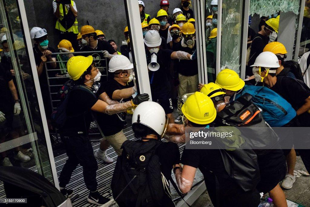 Fresh Hong Kong Protests Signal Gridlock Facing Lams Government : ニュース写真