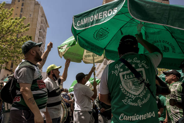 ARG: Union Demonstrators Gather As Inflation Accelerates Ahead Of November Elections