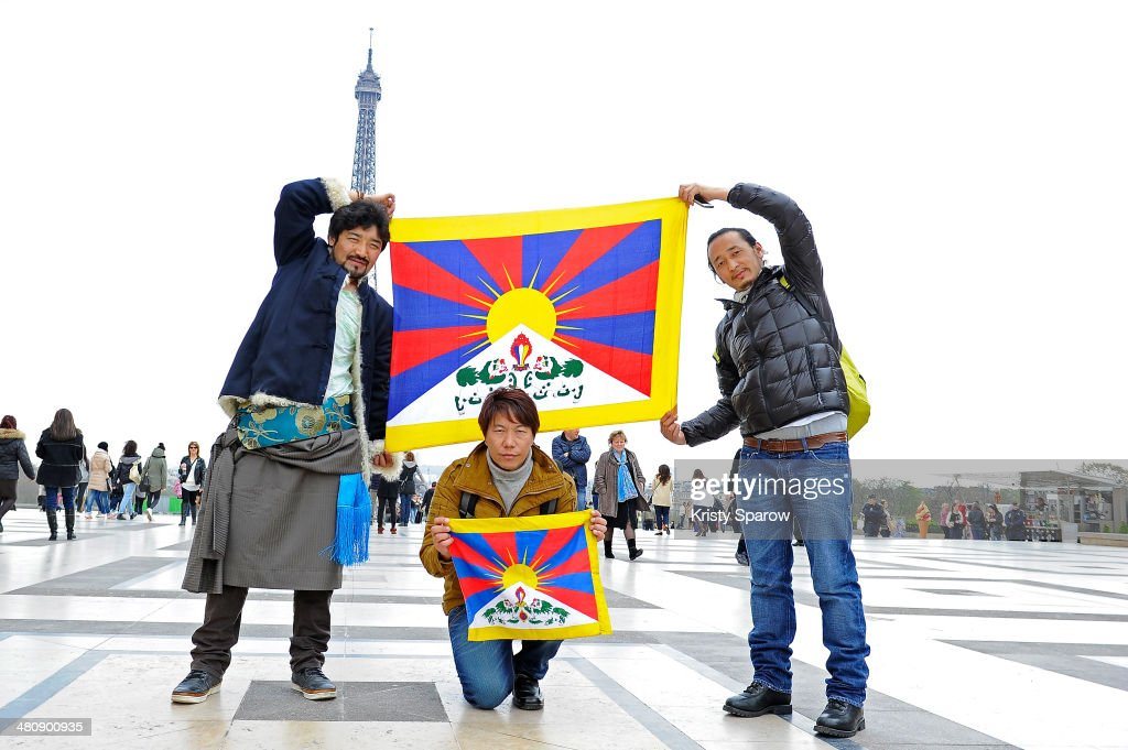 Demonstration For Free Tibet At The Trocadero In Paris : News Photo