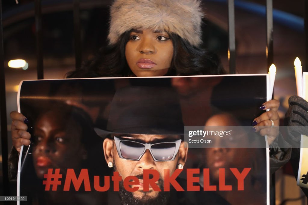 Protestors Rally In Support Of Sex Abuse Survivors At R Kelly's Chicago Studios : News Photo