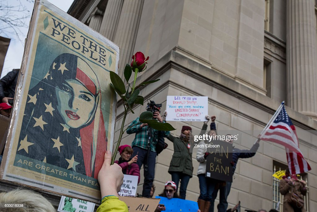 Demonstrators Protest At The White House Against Muslim Immigration Ban : News Photo
