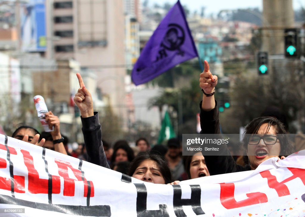 Demonstrators hold a banner during a national demostration organized by the Confederation of Students of Chile (CONFECH) to demand quality and free public education on September 05, 2017 in Valparaiso, Chile.
