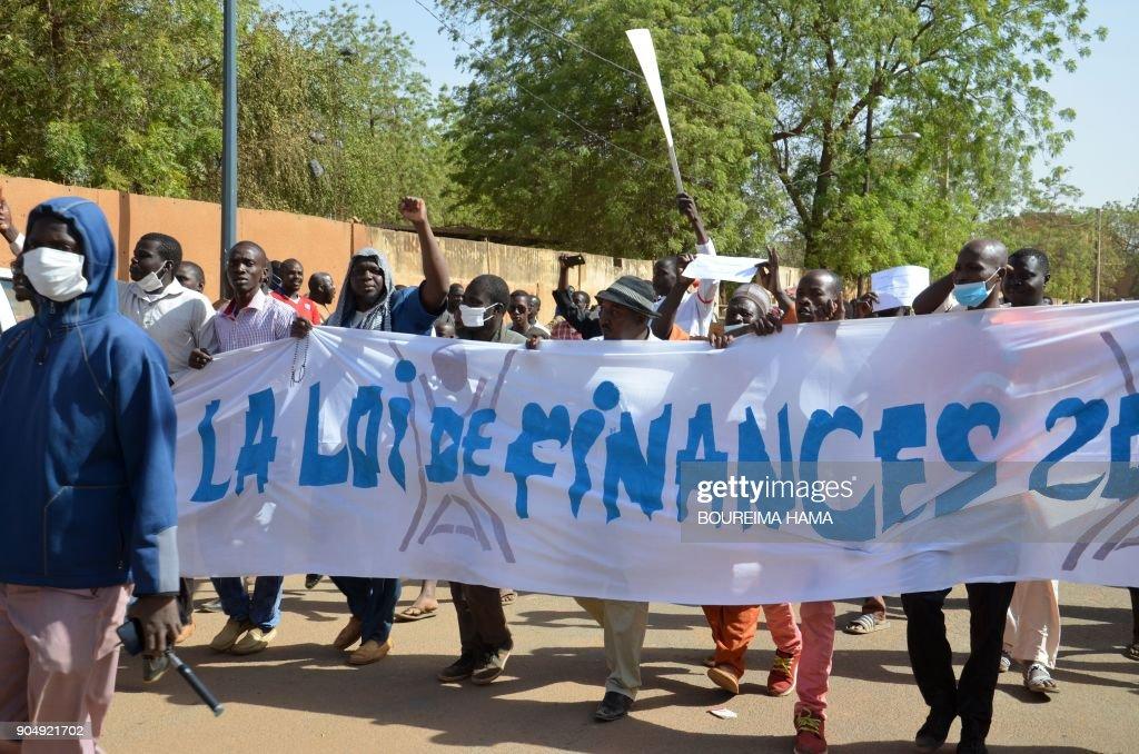 NIGER-POLITICS-BUDGET-ECONOMY-DEMO : News Photo