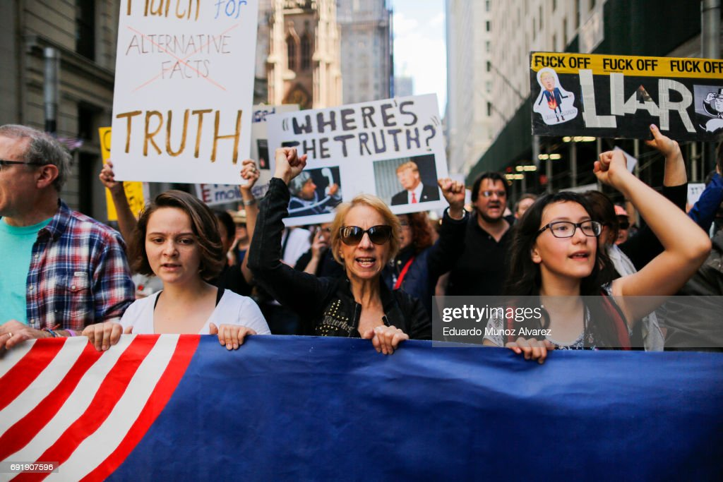 "Anti-Trump ""March for Truth"" Protestors Rally Across The U.S. : News Photo"
