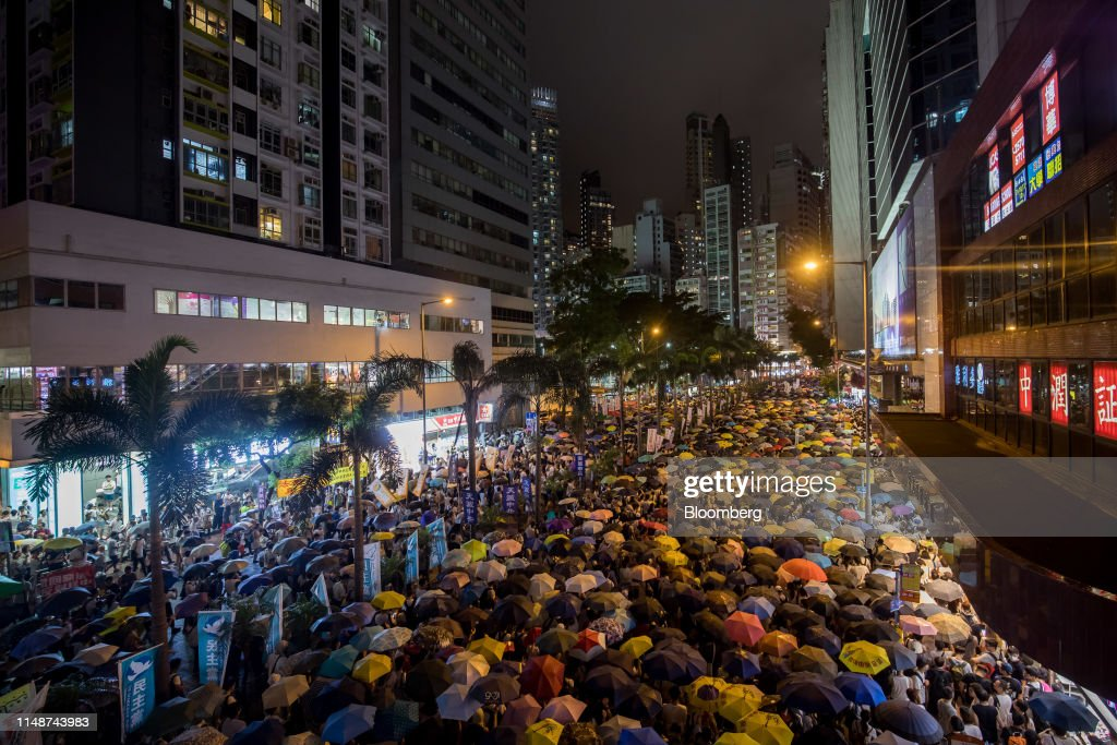 Thousands Protest Hong Kong Law Easing Extraditions to China : ニュース写真