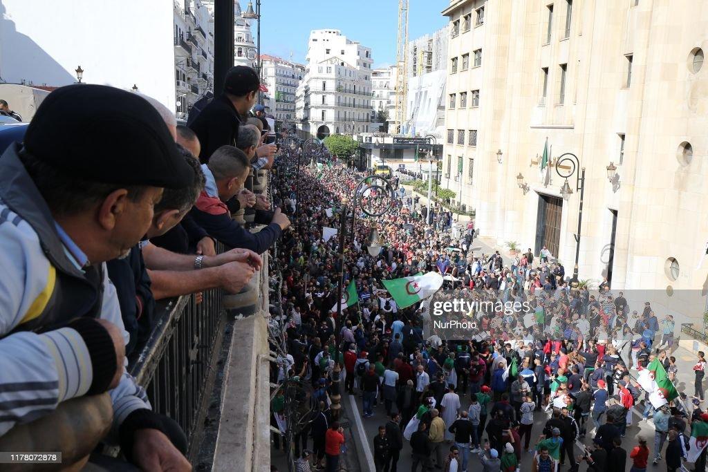 Protest In Algiers : ニュース写真