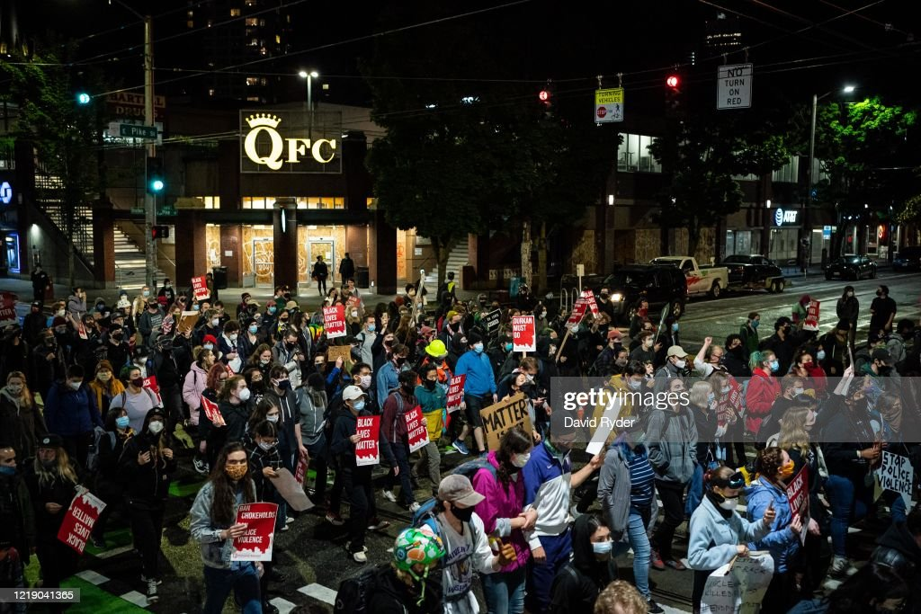 Protests In Seattle Continue As City Council Considers Defunding Police : ニュース写真