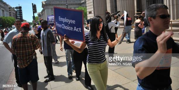 Demonstrators protest against bailout funds outside of a Bank of America branch April 28, 2009 in Washington, ahead of the bank's shareholder...