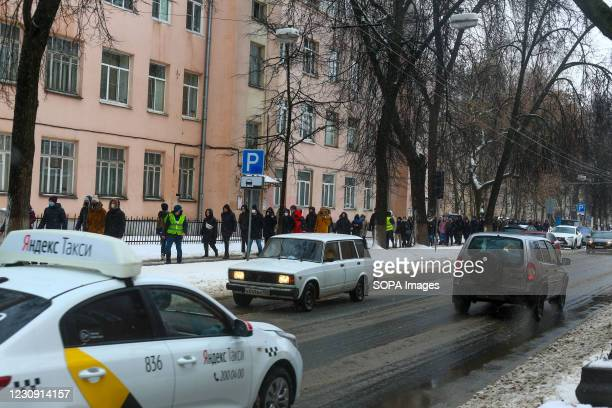Demonstrators seen heading to a rally in support of the opposition political leader Alexei Navalny. Hundreds of protesters gathered in the city...
