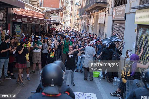 Demonstrtion against the eviction of an squatted bank in Barcelona on May 29 of 2016