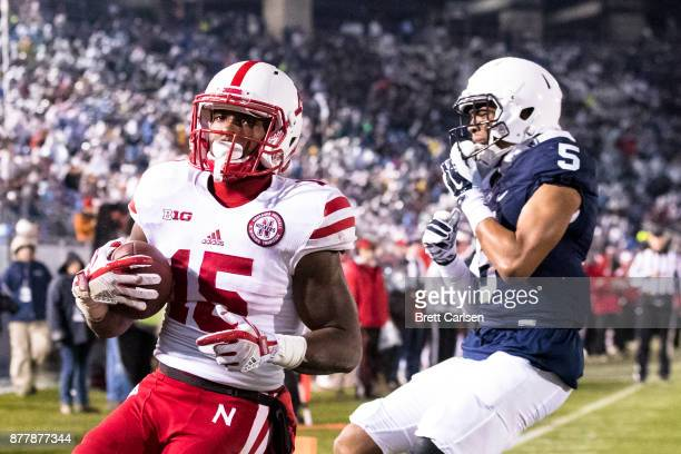 De'Mornay PiersonEl of the Nebraska Cornhuskers carries a touchdown reception into the end zone during the second half on November 18 2017 at Beaver...