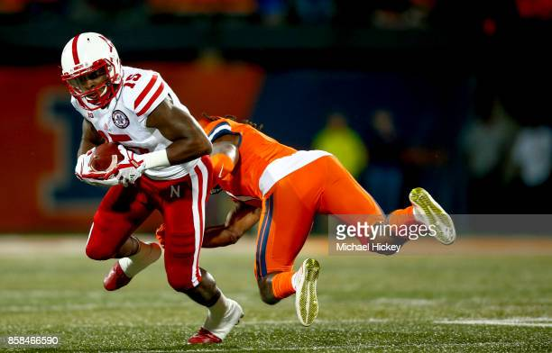 De'Mornay PiersonEl of the Nebraska Cornhuskers runs the ball against the Illinois Fighting Illini at Memorial Stadium on September 29 2017 in...