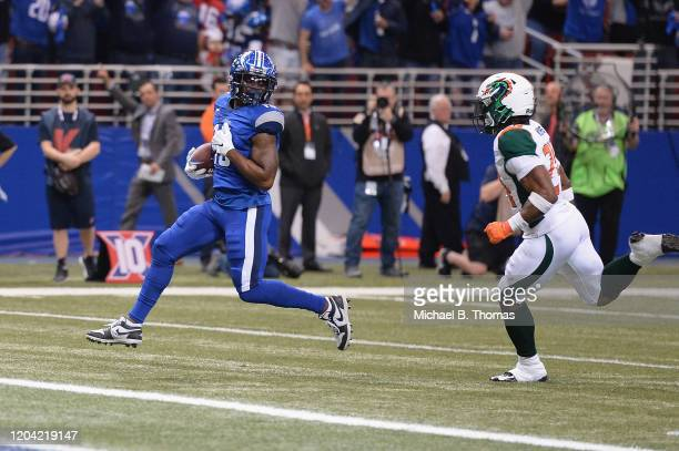 De'Mornay Pierson-El of the St. Louis Battlehawks scores a touchdown in the first quarter against the Seattle Dragons during their XFL game at the...