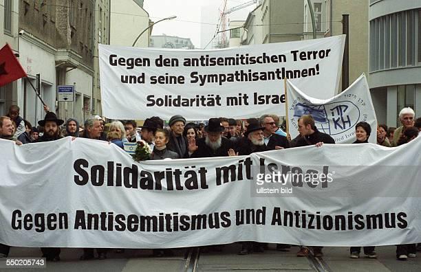 Demosntranten fordern Solidarität mit Israel Berlin