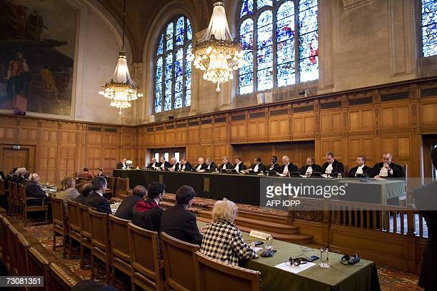Den Haag, NETHERLANDS: A general view taken at the UN International Court of Justice in the Hague show judges hearing 23 January 2007 the case of a...