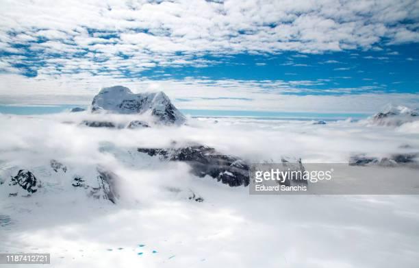denali national park and preserve - inquadratura da un aereo foto e immagini stock