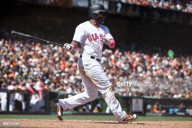 Denard Span of the San Francisco Giants at bat against the Cincinnati Reds during the fifth inning at ATT Park on May 14 2017 in San Francisco...