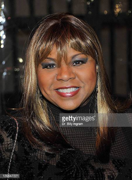 Deniece Williams attends the 10th Annual Heroes in the Struggle Gala at the Avalon on December 1 2010 in Hollywood California