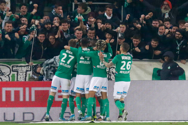 Championnat de France de football LIGUE 1 2018-2019-2020 - Page 33 Denis-bouanga-of-saint-etienne-celebrates-his-goal-with-teammates-picture-id1186494508?k=6&m=1186494508&s=612x612&w=0&h=5ddmETP6aq0hp_28brTr-oyIFwWxoRD03700ZCkhu2I=