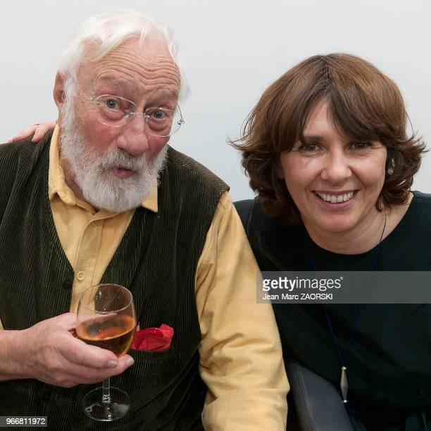 Denis Brihat photographe français de nature morte lauréat du prix Niépce en 1957 et professeur de photographie à Bonnieux et son éditrice Fabienne...