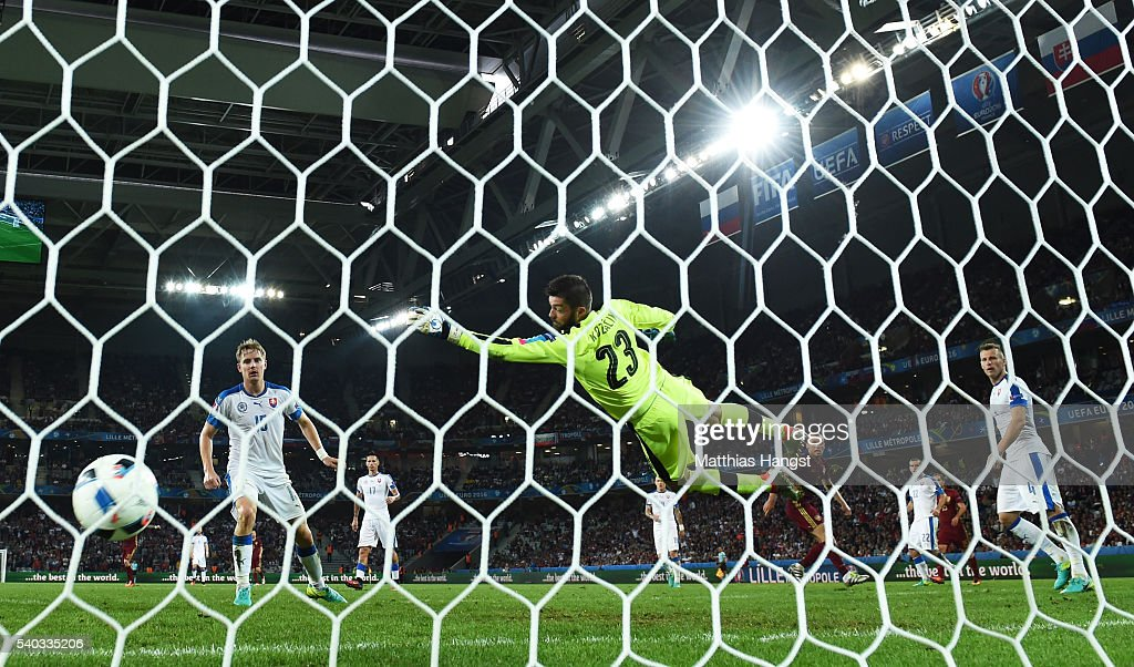 Denis Glushakov of Russia scores his sides first goal during the UEFA EURO 2016 Group B match between Russia and Slovakia at Stade Pierre-Mauroy on June 15, 2016 in Lille, France.