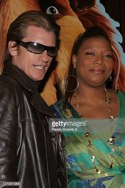 """Denis Leary and Queen Latifah during """"Ice Age 2: The Meltdown"""" New York screening - Inside Arrivals at Ziegfeld Theater in New York, NY, United..."""