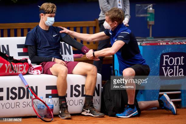 Denis Shapovalov of Canada receives medical treatment in his third round match against Felix Auger-Aliassime of Canada during day four of the...