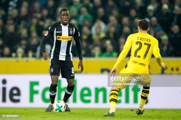 Denis Zakaria of Borussia Moenchengladbach controls the ball during the Bundesliga match between Borussia Moenchengladbach and Borussia Dortmund at...