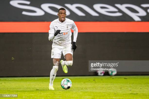 Denis Zakaria of Borussia Moenchengladbach in action during the Bundesliga match between Borussia Moenchengladbach and SV Werder Bremen at...