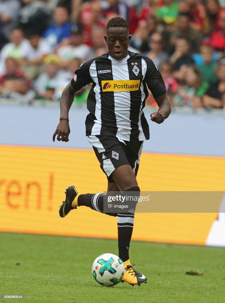 Denis Zakaria of Moenchengladbach controls the ball during the Telekom Cup 2017 3rd place match between Borussia Moenchengladbach and TSG Hoffenheim at Borussia Park on July 15, 2017 in Moenchengladbach, Germany.
