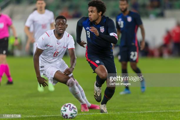 Denis Zakaria of Switzerland and Weston McKennie of USA battle for the ball during the international friendly match between Switzerland and United...