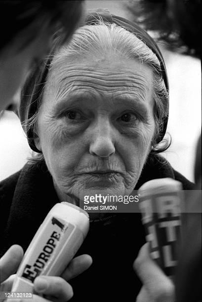Denise Agret mother of Roland Agret at Elysee Palace In Paris France On April 15 1976 Denise Agret mother of Roland Agret who is serving 15 years in...