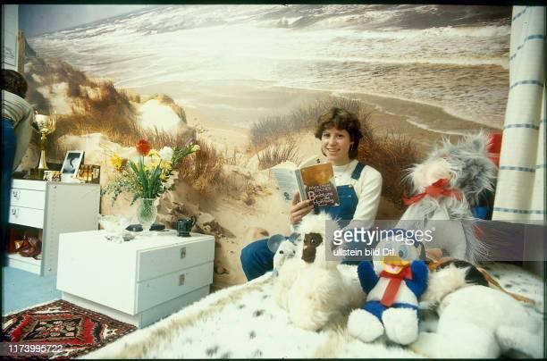Denise Biellmann in her bedroom 1979