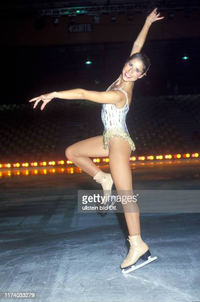 Denise Biellmann rehearsing for Holiday on Ice 1986