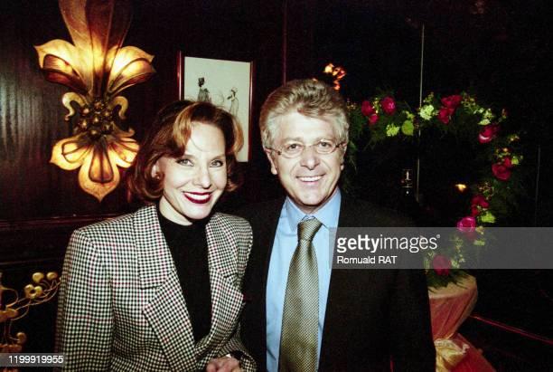 Denise Fabre et sonmari Francis Vandenhende à Paris France le 6 février 1998
