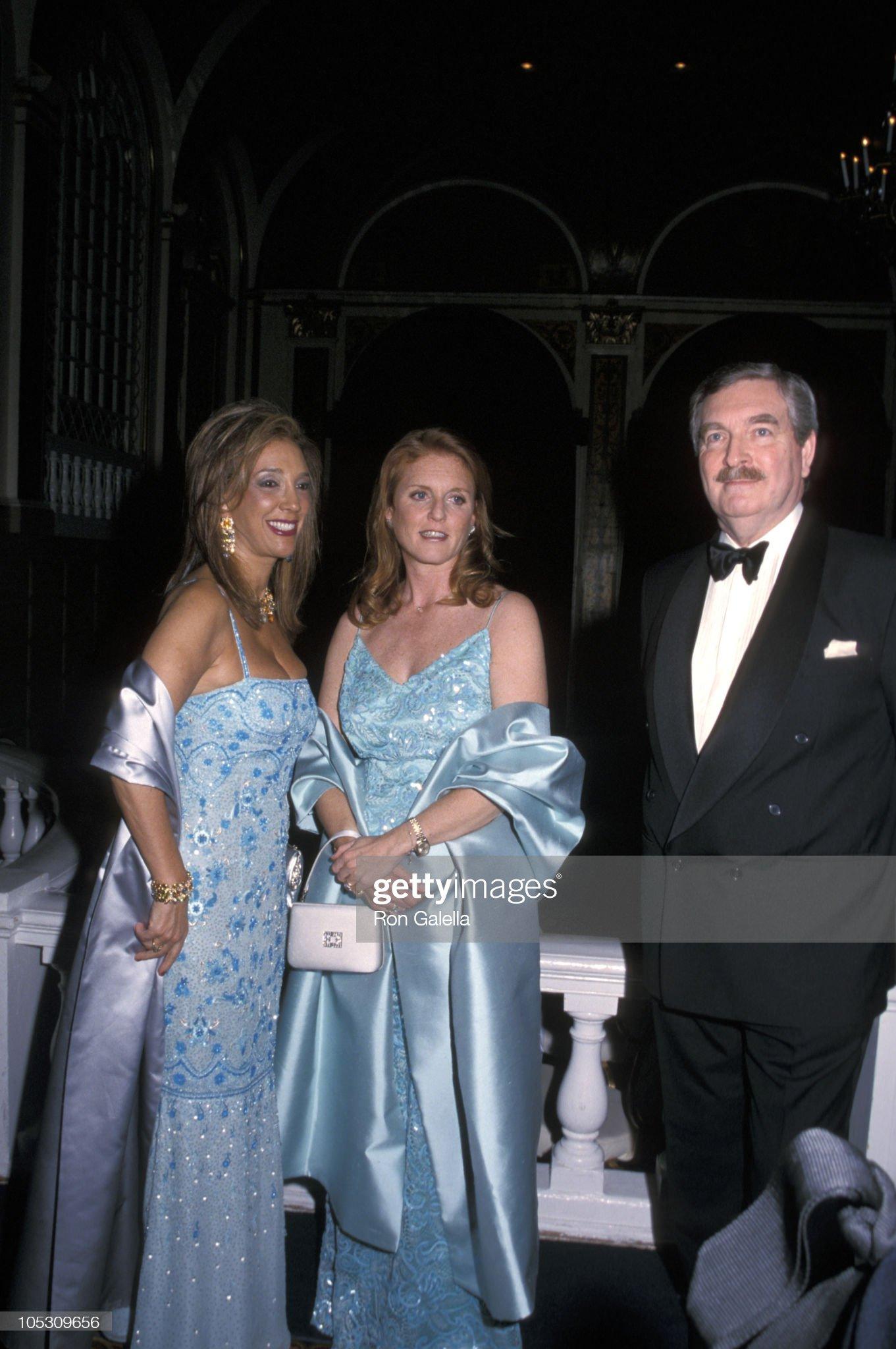 Вечерние наряды Отем пока еще Филлипс и Сары Йоркской 2nd Annual Walpole Committee Gala : News Photo