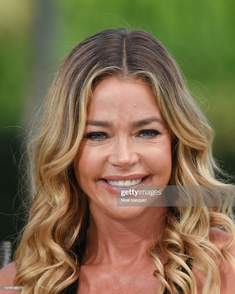 "Denise Richards And Tiera Skovbye Visit ""Extra"""