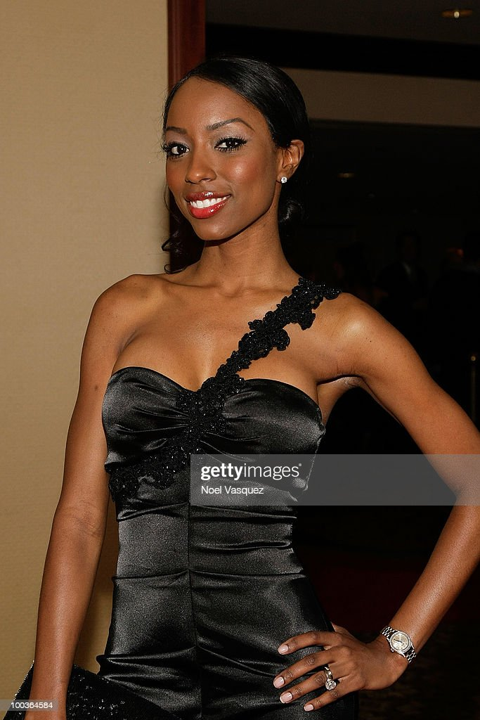 Denise Tarver attends the 25th anniversary of Cedars-Sinai Sports Spectacular Hyatt Regency Century Plaza on May 23, 2010 in Century City, California.