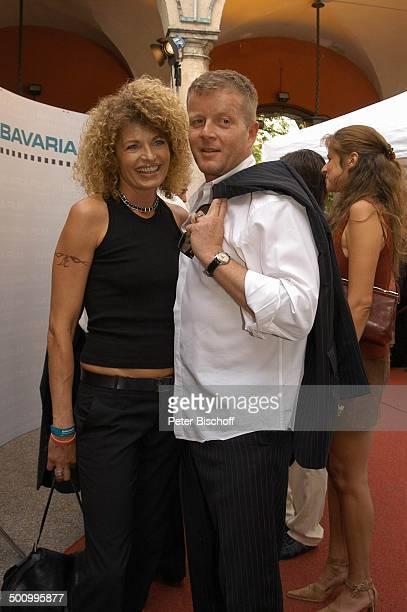 Denise Virieux Michael Schiller Empfang der Bavaria Film Filmfest München PNr 906/2005 Party roter Teppich Kette Halskette Schmuck Frisur Tätowierung...