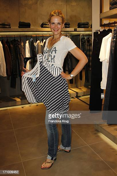 Denise Zich Bei Der 7 For All Mankind Store Eröffnung Im Quartier 206 In Berlin