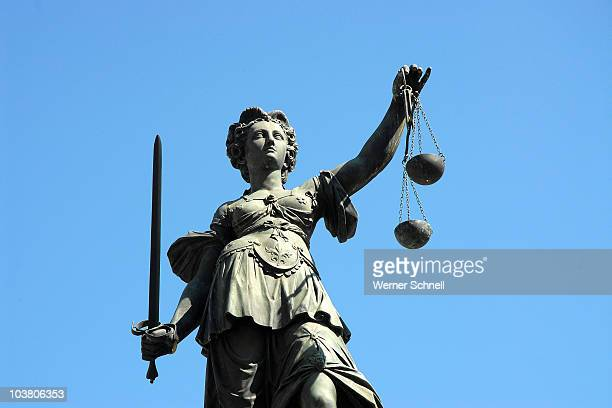 denk mal, justitia ! - equal arm balance stock pictures, royalty-free photos & images