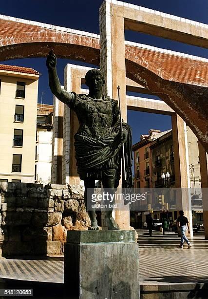 Denkmal für den römischen Kaiser Augustus - 1997
